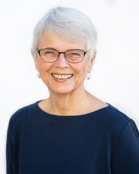 Linda Swanson Administrator for FreeToBeCoaching headshot photo